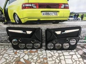 Монолитные дверные карты Mercedes Benz C 63 AMG 16*16*16*16*рупор